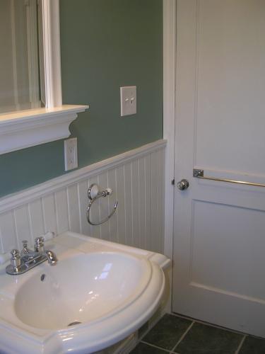 "alt=""Collingswood Builders new bathroom installation"""